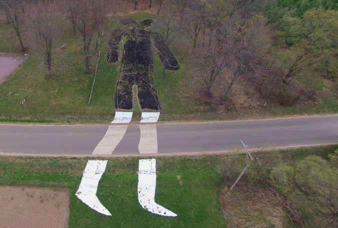 Man+Mound
